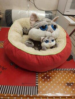 Лежаки, домики, спальные места - Лежанка для кошек и маленьких собак 40*40*14 см, 0