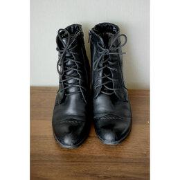 Ботильоны - Ботильоны на каблуке со шнуровкой, 0