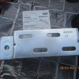 Уголки, кронштейны, держатели - Крепление ТМ к стене для вертикального монтажа, 0