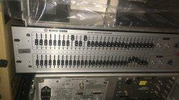 Оборудование для звукозаписывающих студий - Эквалайзер Klark Teknik DN360, 0