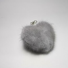 Брелоки и ключницы - брелок для ключей: Сердечко из натурального меха норки цвета сапфир, 0