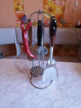 Подставки и держатели - Подставка с кухонными аксессуарами в комплекте., 0