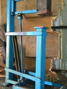 Производственно-техническое оборудование - Молот ножной рычажный, 0