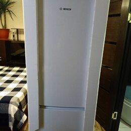 Холодильники - Холодильник с морозильником Bosch, 0