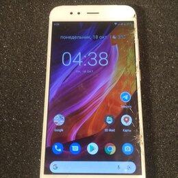 Мобильные телефоны - Xiaomi MI A1 64/4, 0