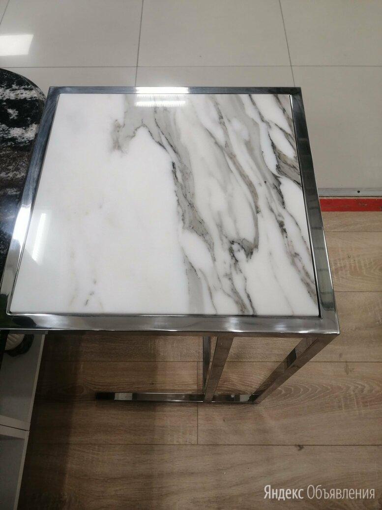 Стол прикроватный  по цене 20000₽ - Столы и столики, фото 0