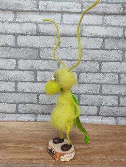 Статуэтки и фигурки - Эксклюзивная игрушка «Весельчак Букаш», 0