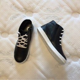 Ботинки - Новые, высокие кожаные ботинки для девочки Фома, на молнии 37-37,5 размер, 0
