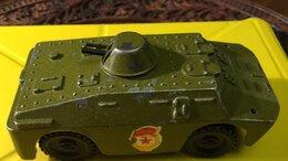 Фигурки и наборы - игрушка БТР 80х годов, 0