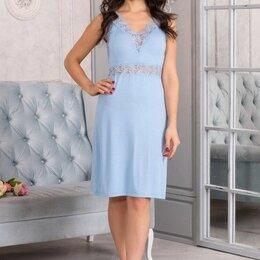 Домашняя одежда - Сорочка женская вискозная голубая, кружево по талии и в зоне декольте, 0