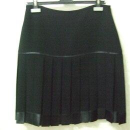 Юбки - Юбка черного цвета, в складку, 0