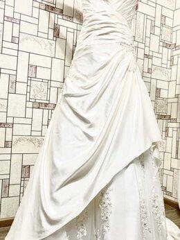 Платья - Свадебное платье со шлейфом, 0