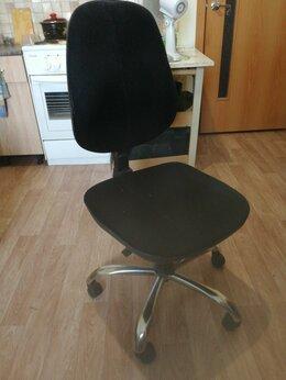 Стулья, табуретки - Продам офисный стул Всё работает, 0