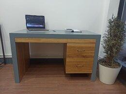 Компьютерные и письменные столы - стол письменный  из дуба , 0