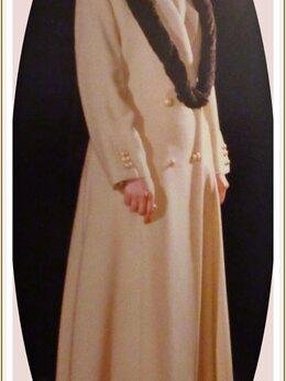 Пальто - Пальто шинель    б/ у.       Шляпа с полями., 0