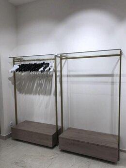 Витрины - Вешало для одежды, 0