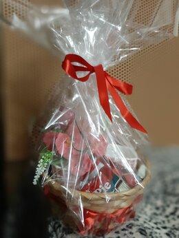Цветы, букеты, композиции - Корзина с чашками, игрушкой, подарок со вкусом, 0