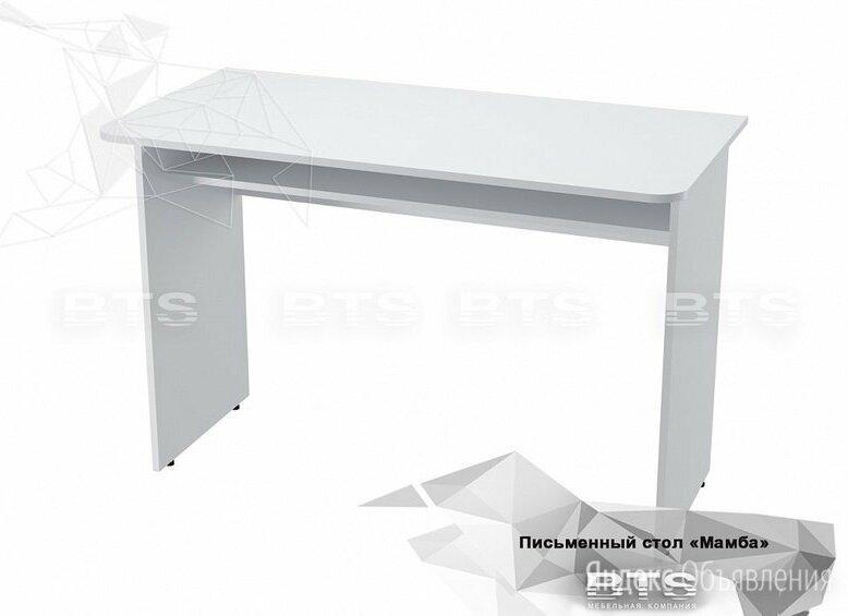 Письменный стол белый по цене 2750₽ - Компьютерные и письменные столы, фото 0