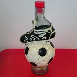 Этикетки, бутылки и пробки - Продажа Бутылки футбольной тематики, 0