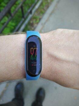 Умные часы и браслеты - Фитнес браслет Xiaomi mi band 5, 0