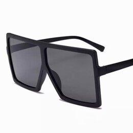 Очки и аксессуары - Солнцезащитные винтажные очки Квадрат ТТ, 0