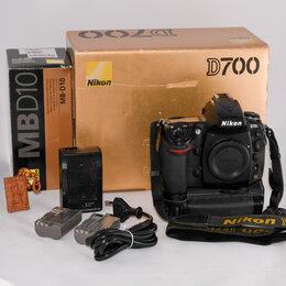 Фотоаппараты - Камера Nikon D700 с батарейным блоком, 0