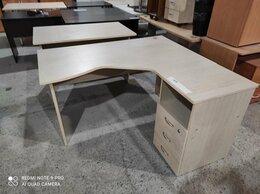 Компьютерные и письменные столы - Стол эргономичный 140х130 с тумбой,  дуб…, 0