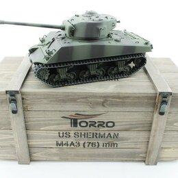 Радиоуправляемые игрушки - Р/У танк Torro Sherman M4A3 76mm, 1/16 2.4G, ВВ-пушка, деревянная коробка, 0