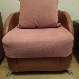 Кресла - Крепкое кресло в отличном состояние, 0