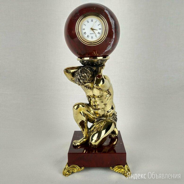 """Часы настольные """"Атлант"""" яшма, бронза по цене 10000₽ - Часы настольные и каминные, фото 0"""
