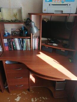 Компьютерные и письменные столы - Два компьютерных стола , 0