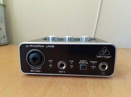 Оборудование для звукозаписывающих студий - звуковая карта behringer u-phoria um2, 0