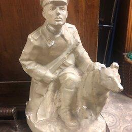 Статуэтки и фигурки - Пограничник и собака, 0