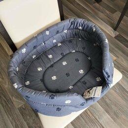 Лежаки, домики, спальные места - Лежак для собак и кошек Дарэлл Овальный стёганый 9142 53х42х16 см серый, 0
