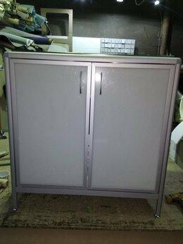 Оборудование и мебель для медучреждений - Лабораторный стол с мойкой слм 2-01, 0