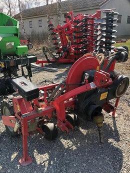 Спецтехника и навесное оборудование - Сельскохозяйственная сеялка для Моркови AGRICOLA…, 0