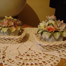 Сувениры - Фарфоровый набор корзиночки с цветами, Румыния, 0