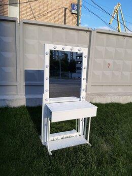 Столы и столики - Зеркало с консолью, 0