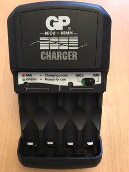 Зарядные устройства для стандартных аккумуляторов - Зарядное устройство GP GPKB34P для аккумуляторов…, 0