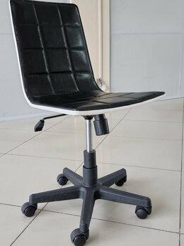 Компьютерные кресла - Компьютерное кресло на колесиках, 0