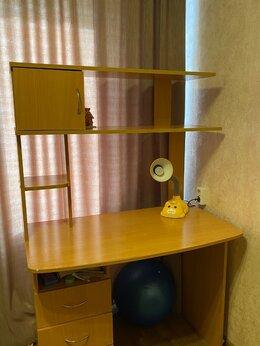 Компьютерные и письменные столы - Продаю письменный стол , 0