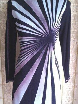 Платья - Трикотажное платье в спортивном стиле, р.44-46, 0