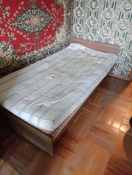 Диваны и кушетки - Отдам бесплатно кровать, 0