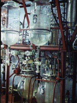 Производственно-техническое оборудование - Полупромышленный Стеклянный Химический Реактор, 0