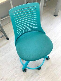 Мебель для учреждений - Стулья офисные 7 шт., 0
