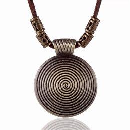 Кулоны и подвески - Стильный медальон на кожаном шнурке, 0