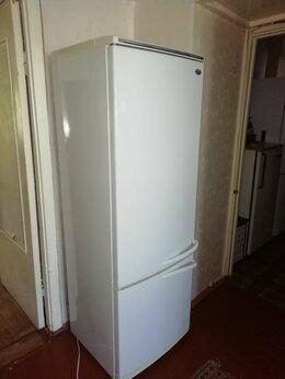 Холодильники - Холодильник Атлант чистый приличный, 0