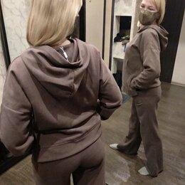 Спортивные костюмы - Женский костюм, 0
