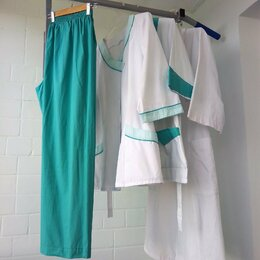 Одежда - Медицинские халаты и брюки 52-54, 0