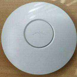 Оборудование Wi-Fi и Bluetooth - Точка доступа Ubiquiti UniFi LR 300 Mbit, 0